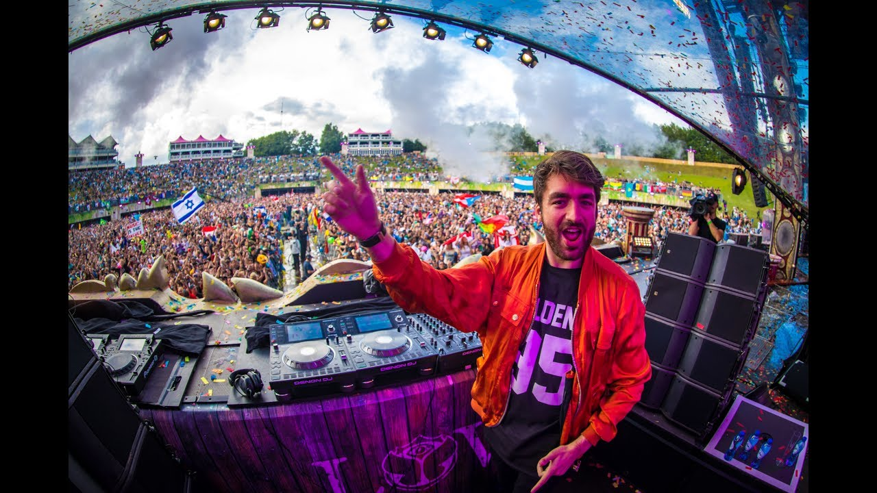 Dutch electronic dance producer Oliver Heldens – regarded as one of the primary figures of the future house scene – is hosting this week's Tomorrowland Friendship Mix on One World Radio. At the vanguard of the new generation of house music stars, Oliver is praised for his innovation and ability to create original ideas and melodies. The Dutch label boss and one of the most talented producers in the game is now delivering a very energetic and uniquely curated one-hour mix with a couple of unreleased tracks, mixing future house with elements of tech-house, electro, disco and techno, and spreading his eclectic, high-octane sound and good vibes to the listeners of One World Radio. The Tomorrowland Friendship Mix by Oliver Heldens debuts exclusively on One World Radio on Thursday November 21 at 20:00 CEST and will be available after broadcasting online, on the One World Radio app, YouTube, Spotify and SoundCloud. Don't miss out and be sure to tune in to Oliver Heldens' exclusive Tomorrowland Friendship Mix this Thursday on One World Radio at 20:00 CEST with the brand new One World Radio app, online or on YouTube. Oliver Heldens' mix will be available after broadcasting online, on the One World Radio app, YouTube, Spotify and SoundCloud. About One World Radio – The sound of Tomorrowland One World Radio is the official digital radio and content platform of Tomorrowland, available 24 hours a day and 7 days a week with the brand new One World Radio app, online, on YouTube or on TuneIn. Listeners who tune in to One World Radio will find exclusive mixes, unique tracks, new releases and the most iconic live sets from 15 years of Tomorrowland featuring a range of hosts, shows and specials. All content on the radio station and in the on-demand environment is unique and has been created by the team behind Tomorrowland. Get the new One World Radio app now on Google Play or download it on the App Store and listen live to One World Radio.